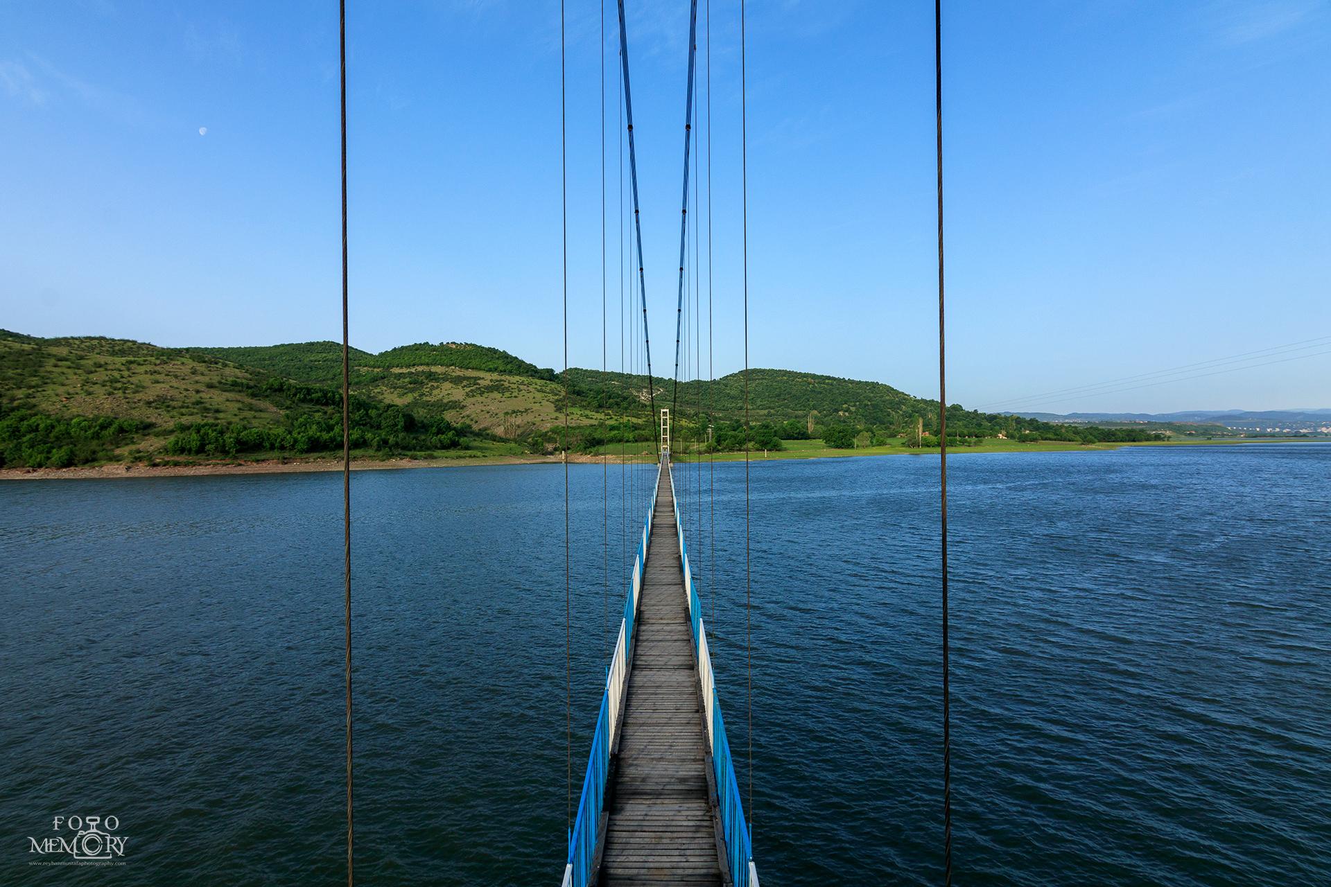 Мостът за Лисиците