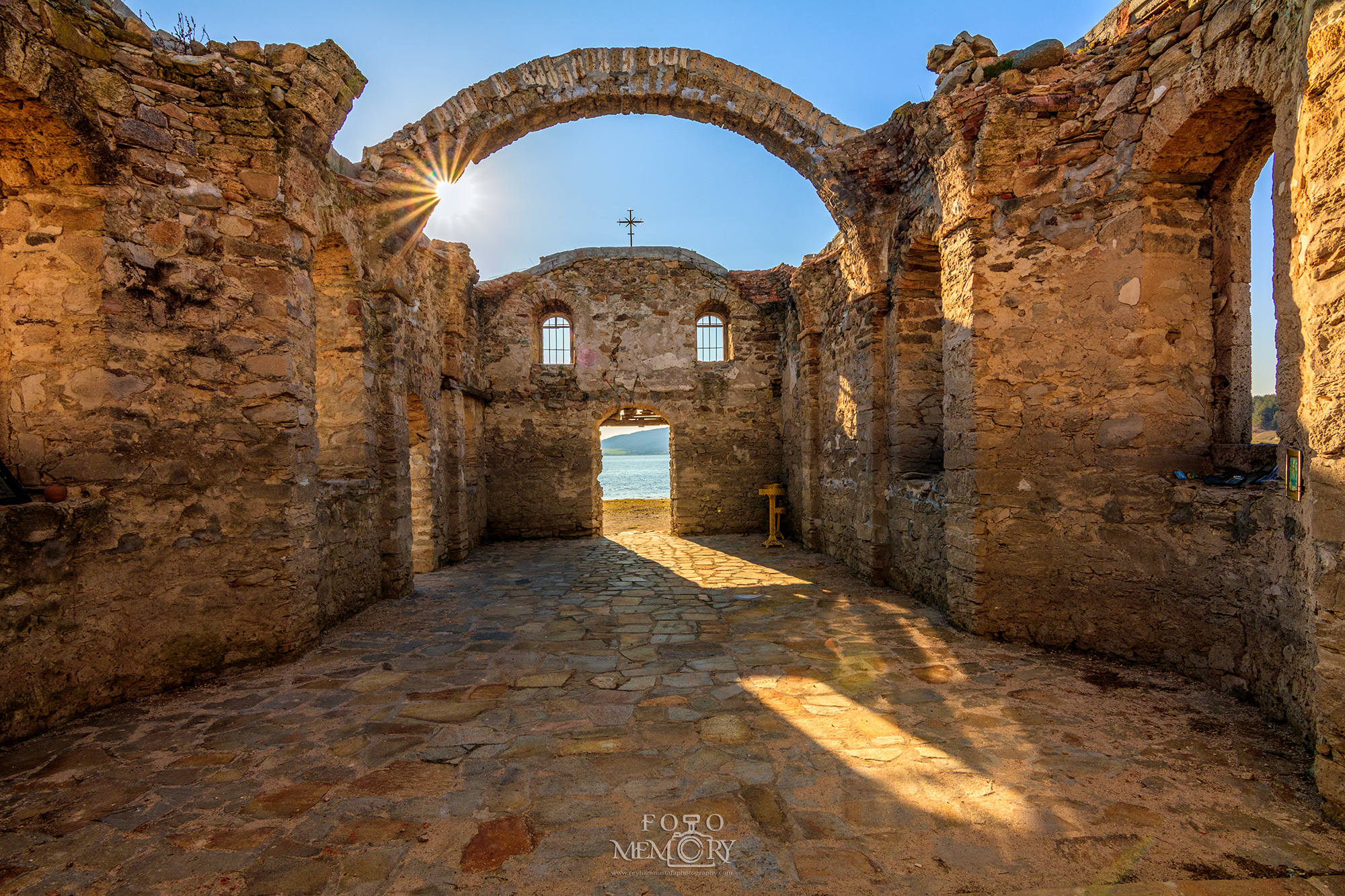 Потопената църква